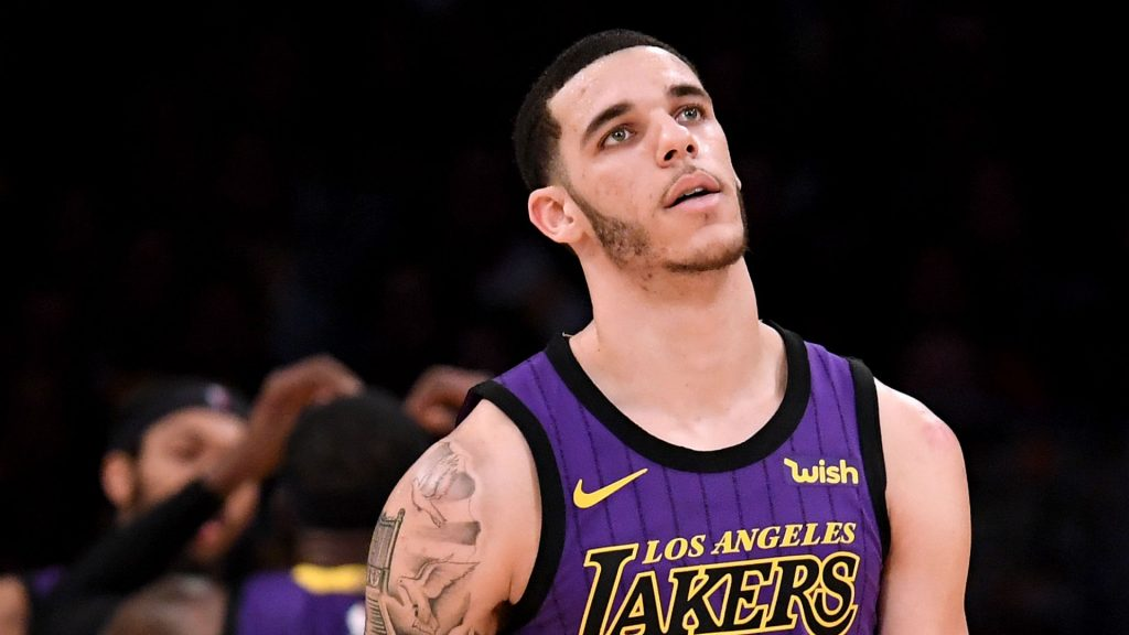69e6e84a4edb Lonzo Ball injury update  X-rays are negative for Lakers guard ...