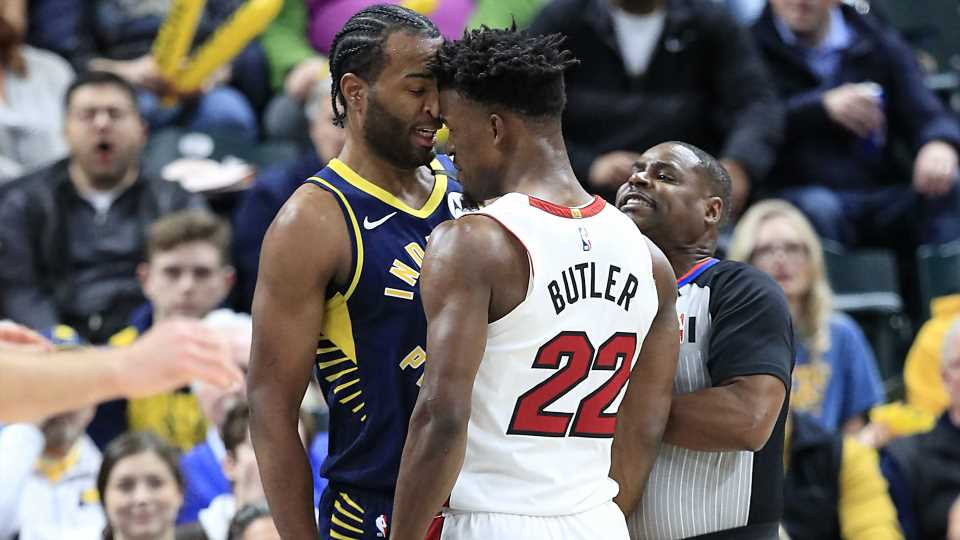 Jimmy Butler blows kisses to T.J. Warren, who flips him off in ...